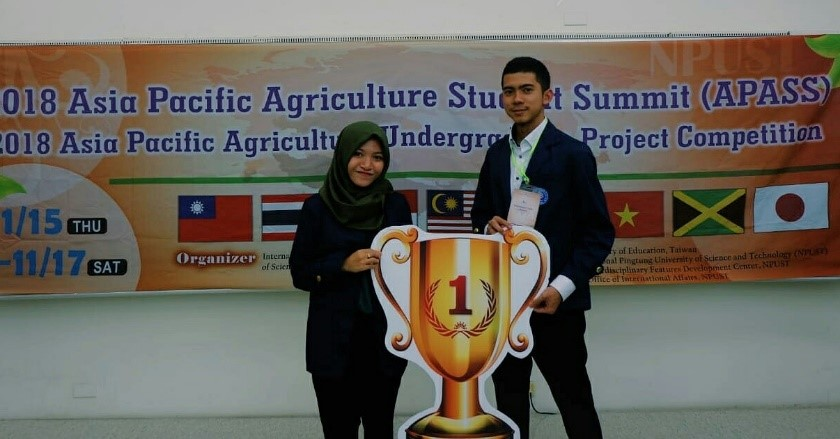 •	1st Prize in Technology and Engineering Category 							2018 Asia Pacific Agriculture Undergraduate Student Project Competition (APASS), Pingtung, Taiwan	2018